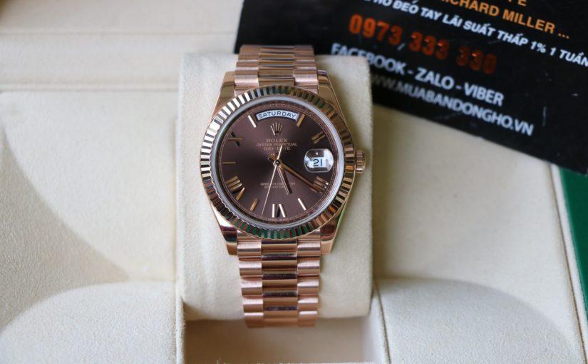 Đồng hồ rolex day date 6 số 228235 – Mặt số la mã chocolate – size 40mm – Vàng hồng 18k